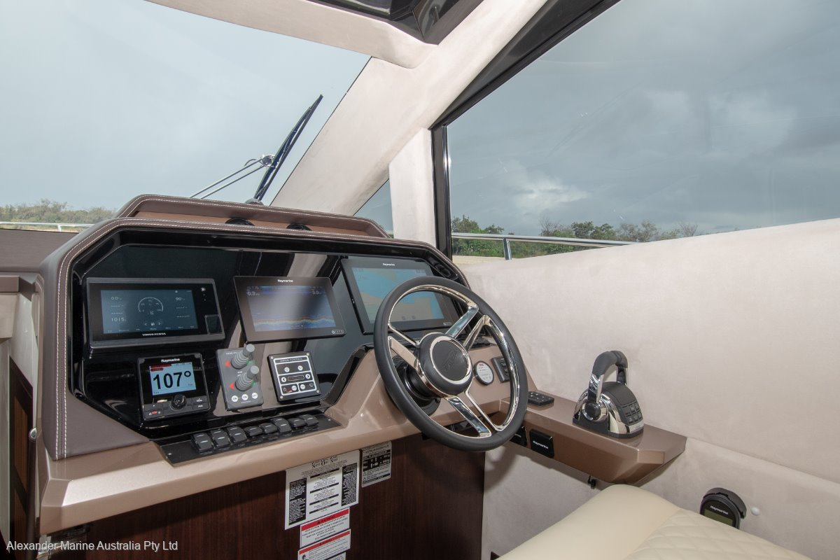 https://panel.boatsync.com.au/v11/images/1579/12_4.jpg