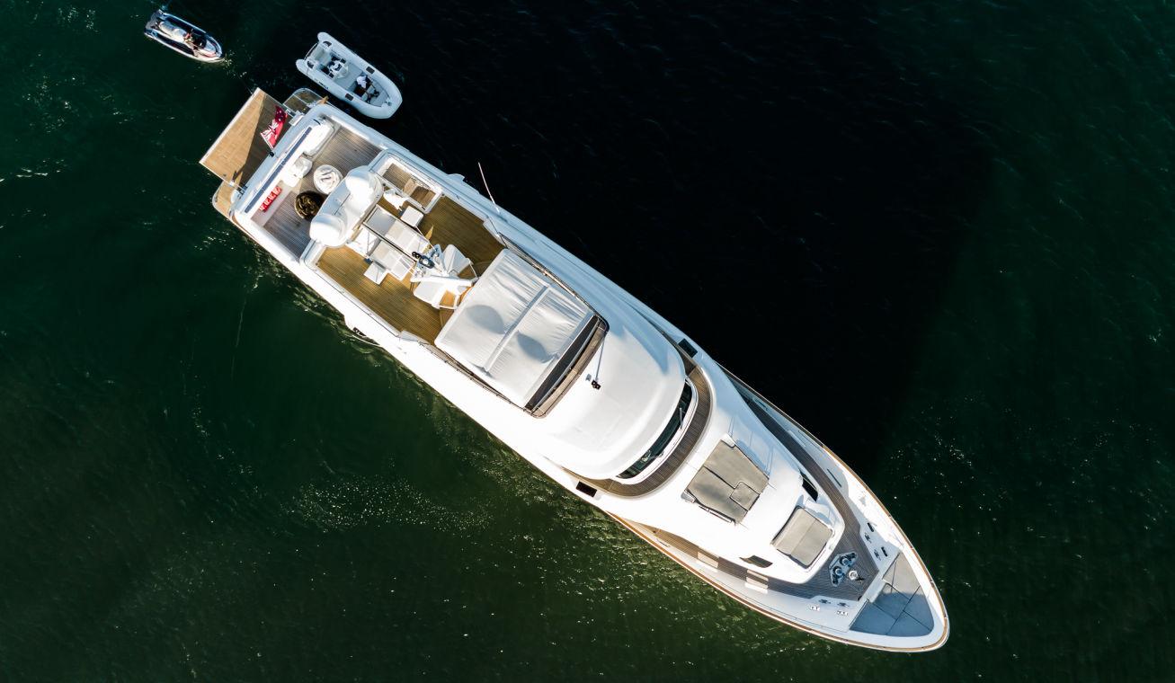 https://panel.boatsync.com.au/v11/images/1618/1615427418241-Ferretti-Custom-Line-33m-8.jpg