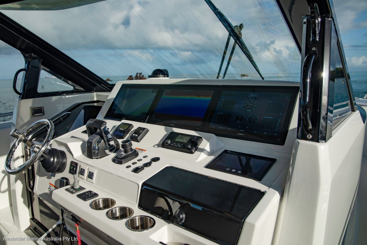 https://panel.boatsync.com.au/v11/images/1676/9_4.jpg image