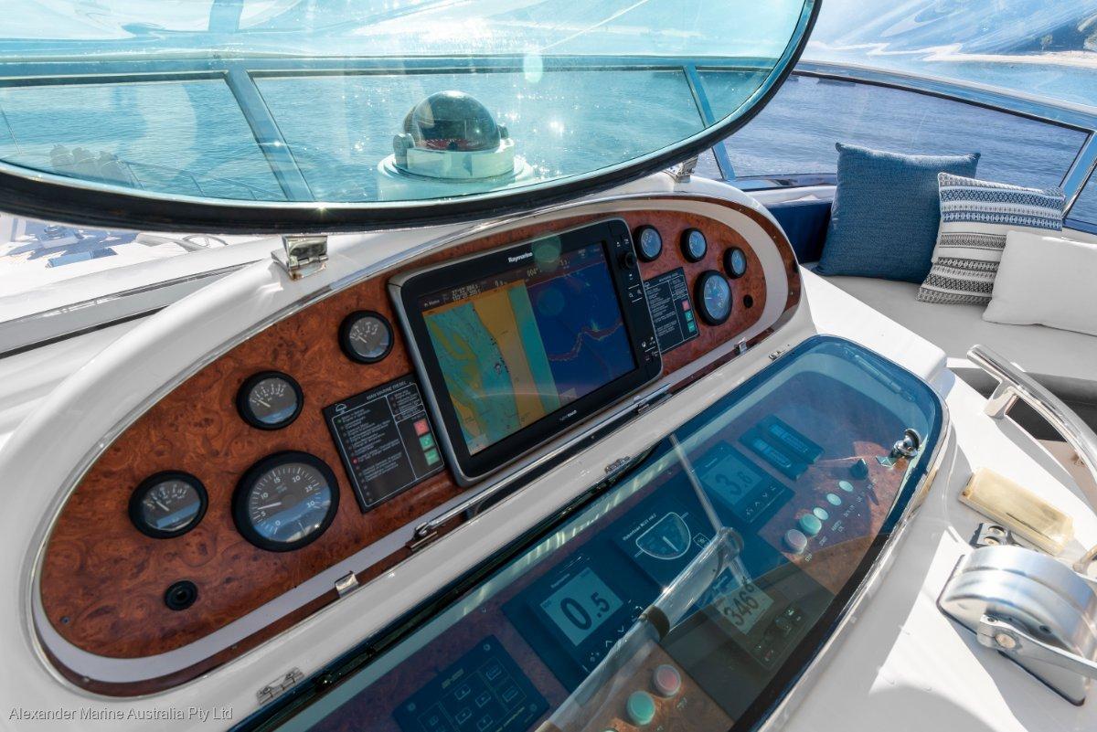 2001 Horizon E62 Image